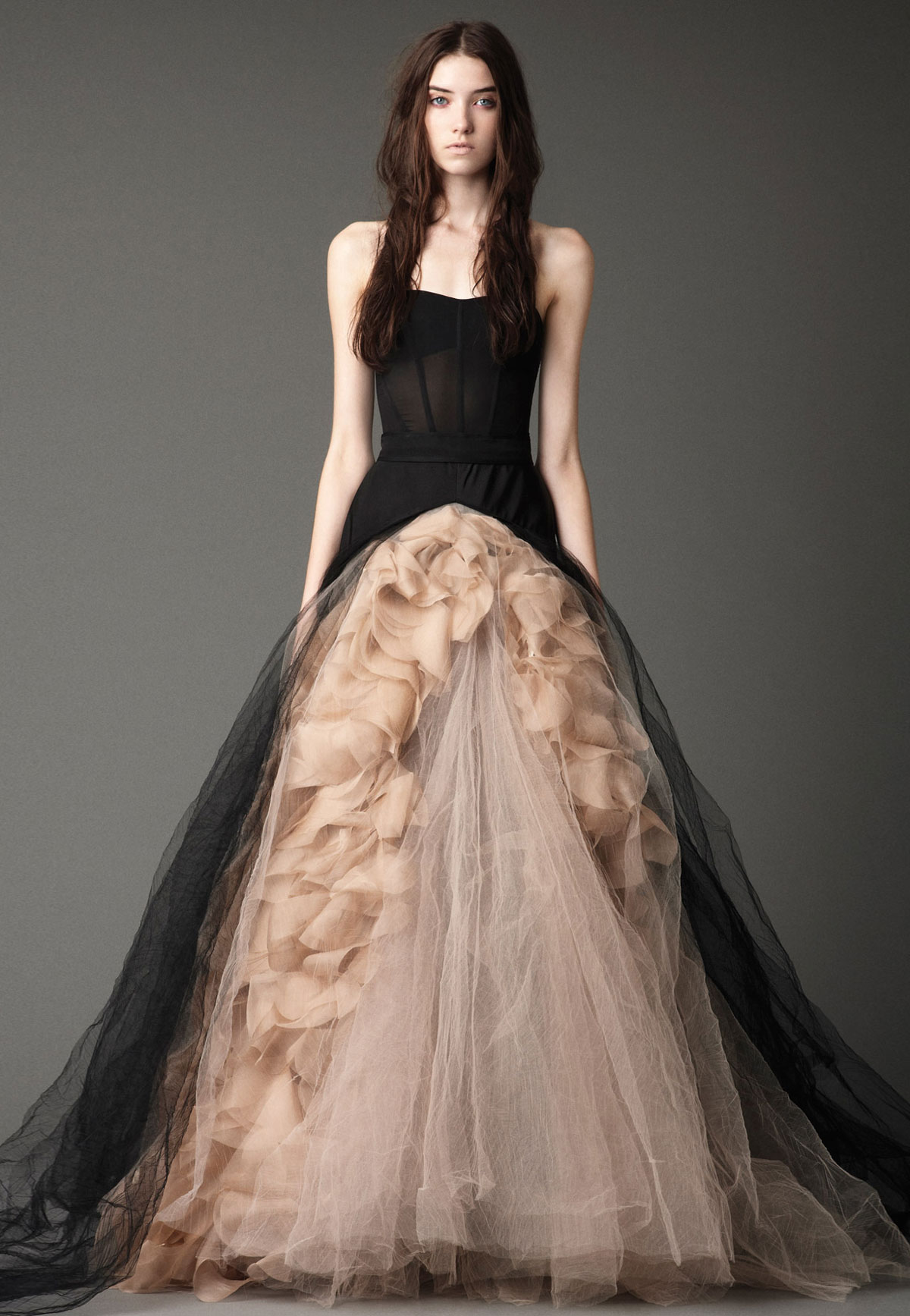 Vera wang wedding dress designer pearl wedding for Where to buy vera wang wedding dresses